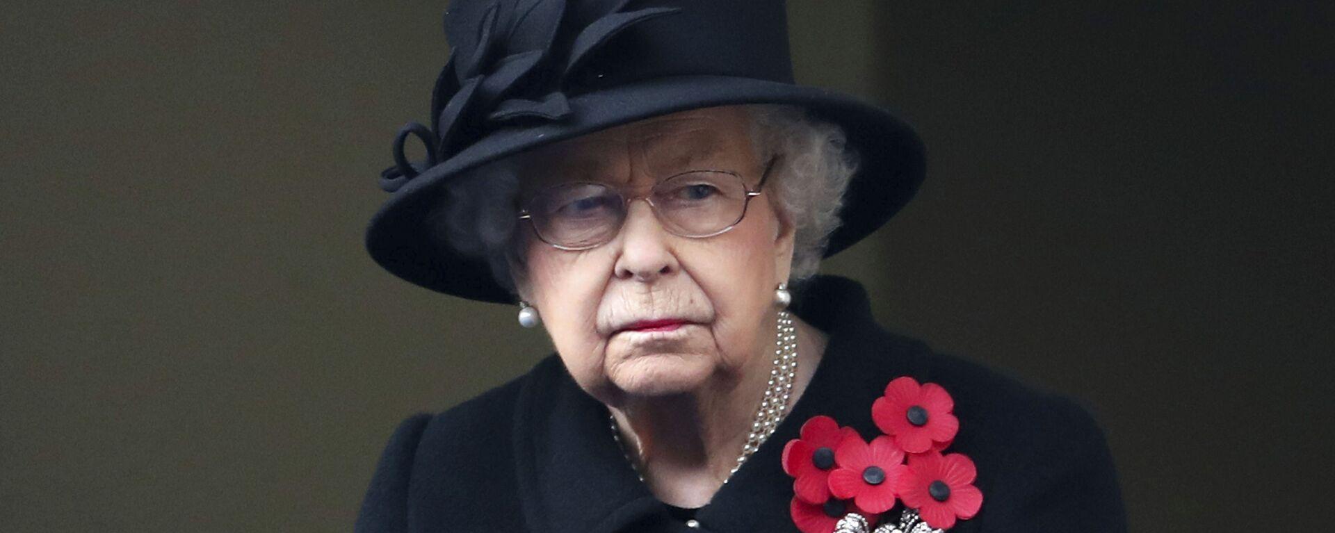 La reina Isabel II durante la ceremonia del Día del Recuerdo 2020 - Sputnik Mundo, 1920, 06.03.2021