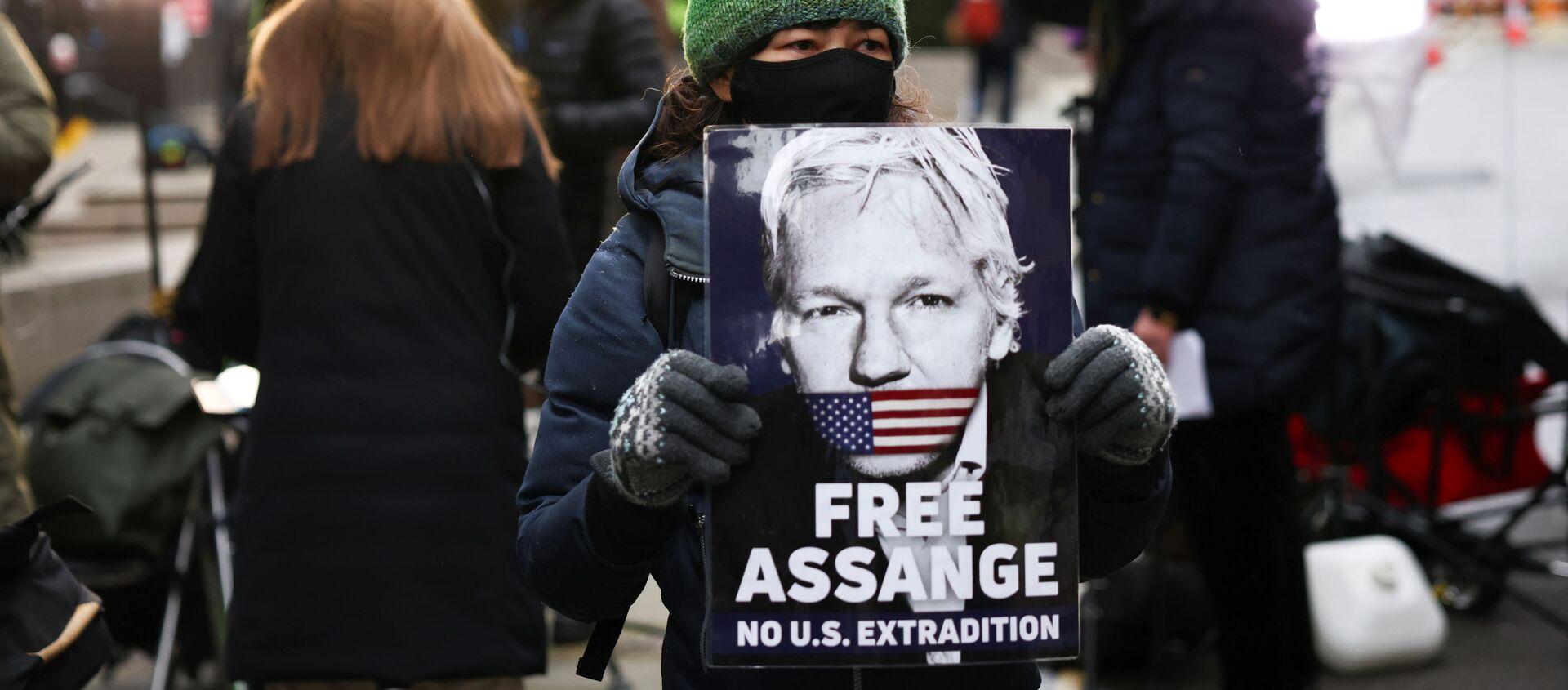 Los partidarios del fundador de WikiLeaks, Julian Assange - Sputnik Mundo, 1920, 04.01.2021