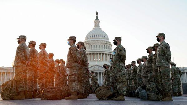 La Guardia Nacional cerca del Capitolio en Washington, EEUU - Sputnik Mundo