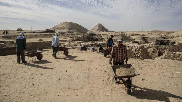 Excavaciones en Sakkara, Egipto - Sputnik Mundo