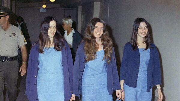 Susan Atkins, Patricia Krenwinkel y Leslie Van Houten, las integrantes de 'La Familia' de Charles Manson - Sputnik Mundo