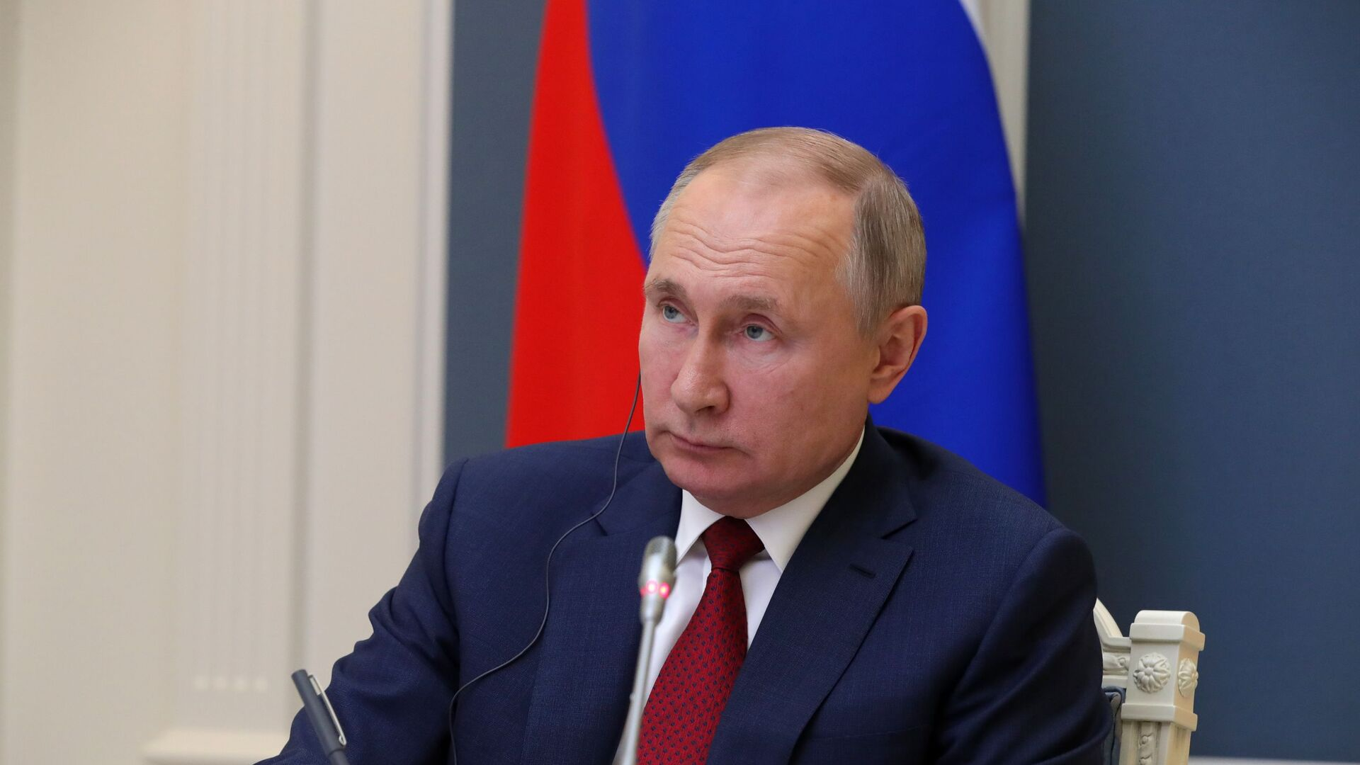 El presidente ruso, Vladímir Putin, en el Foro Económico Mundial de Davos - Sputnik Mundo, 1920, 26.03.2021