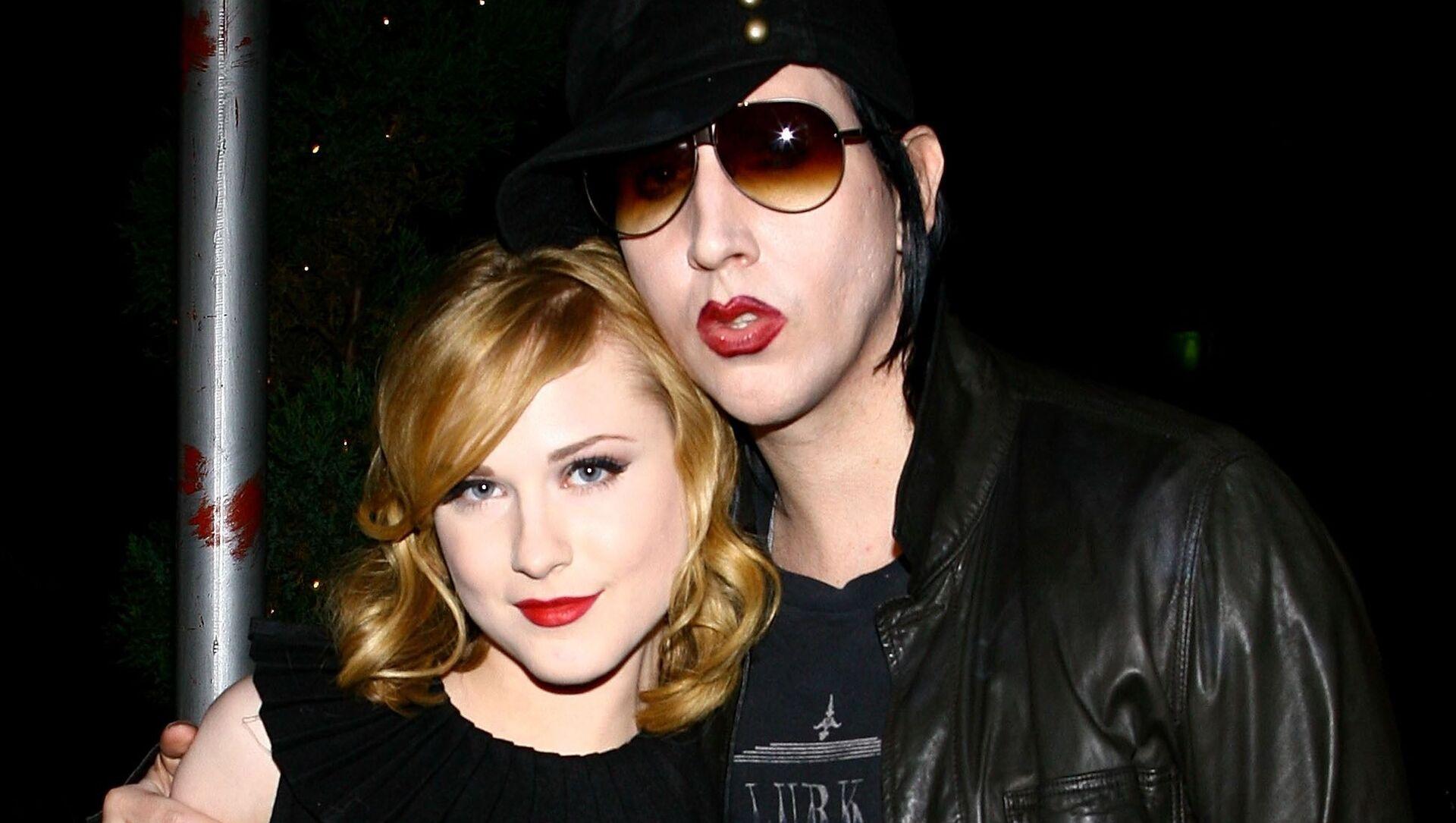 La actriz Evan Rachel Wood junto a Marilyn Manson en 2007 - Sputnik Mundo, 1920, 01.02.2021