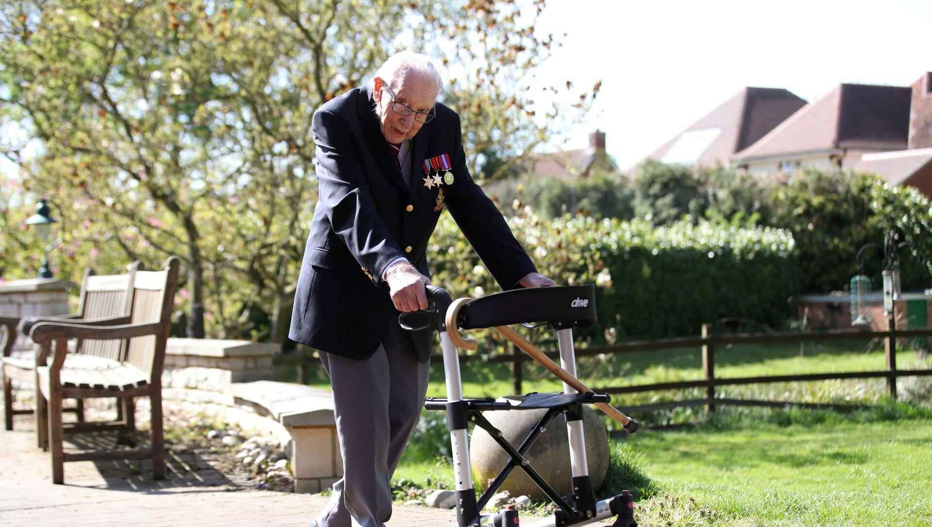 El capitán Tom Moore, veterano británico de la Segunda Guerra Mundial  - Sputnik Mundo, 1920, 02.02.2021