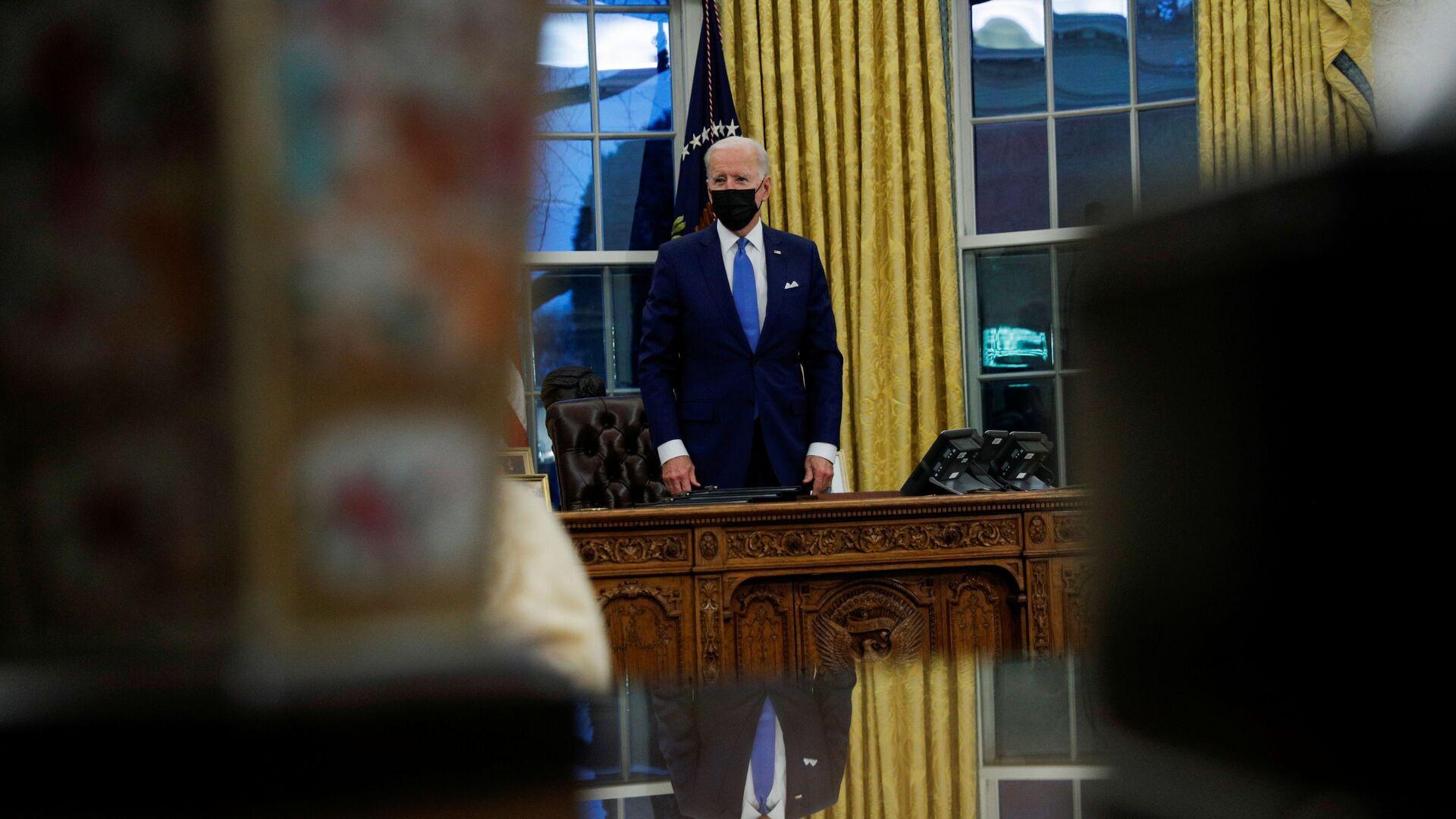 Joe Biden, presidente de EEUU, en el Despacho Oval de la Casa Blanca - Sputnik Mundo, 1920, 10.02.2021