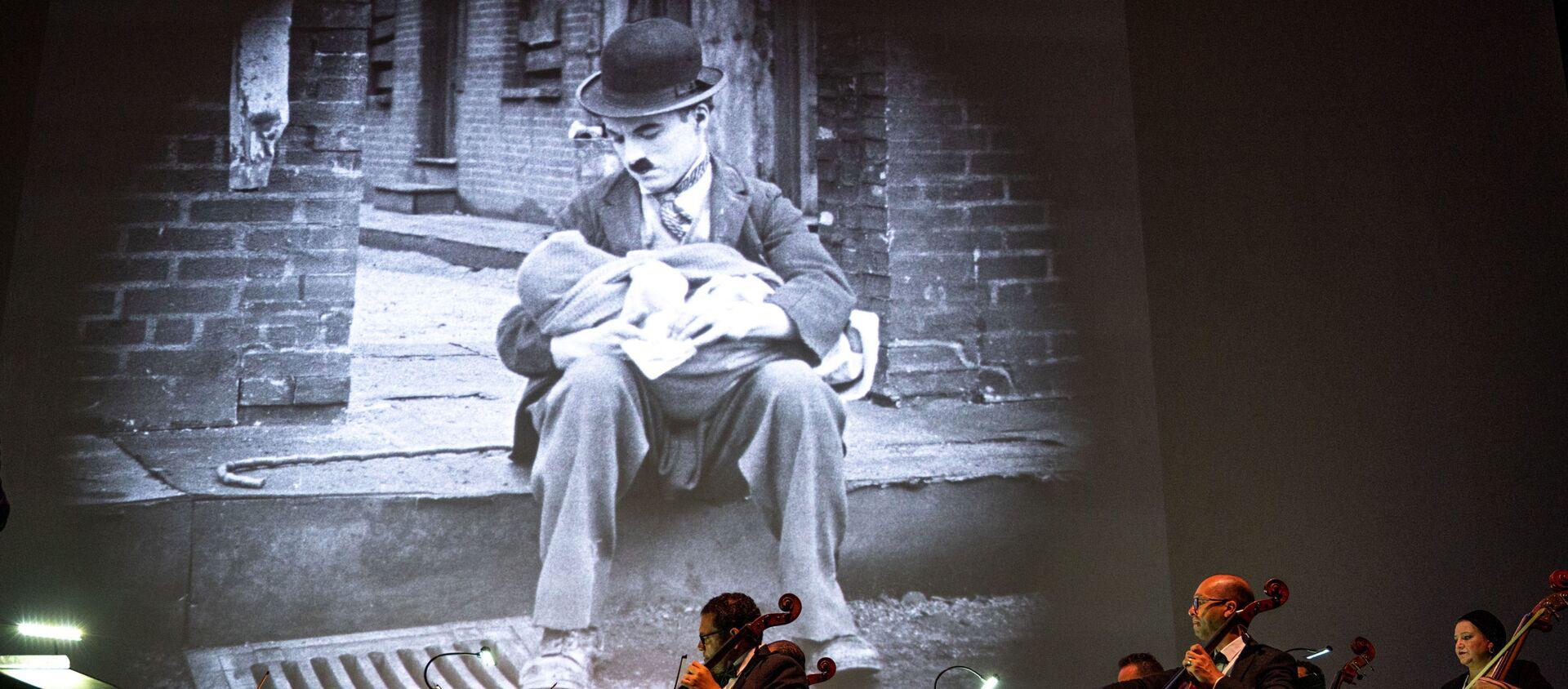 Fotograma de 'El chico' durante un concierto en Egipto - Sputnik Mundo, 1920, 05.02.2021
