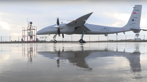 Un dron turco Akinci - Sputnik Mundo