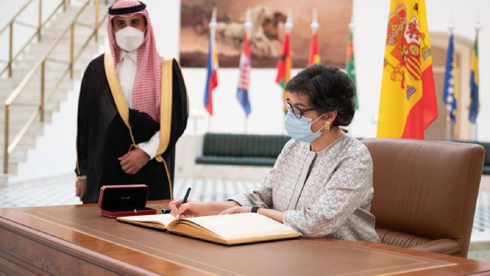 Arancha González Laya, la Ministra de Asuntos Exteriores de España, en Arabia Saudí - Sputnik Mundo, 1920, 09.02.2021