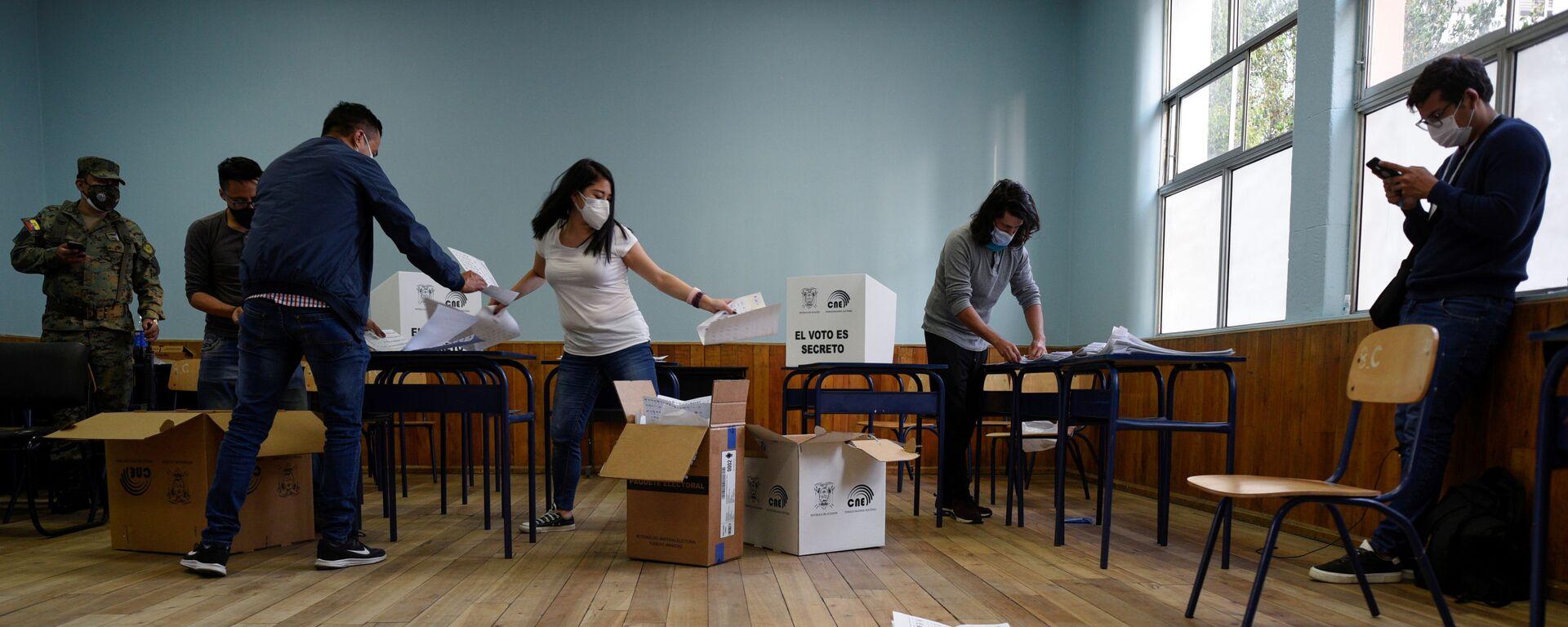 El escrutinio de votos en Ecuador - Sputnik Mundo, 1920, 10.02.2021