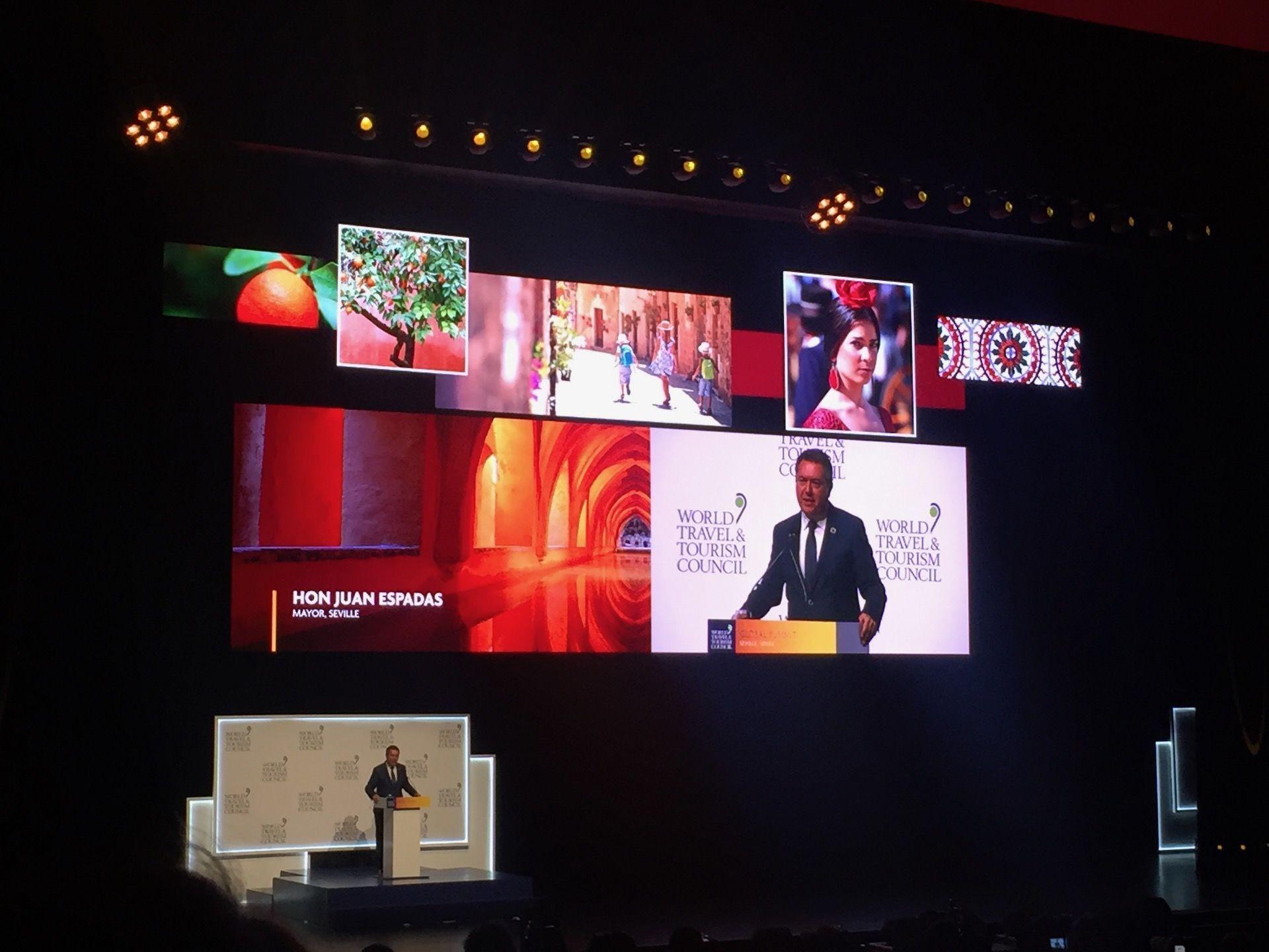 Juan Espadas, alcalde de Sevilla en la celebración del principal evento turístico, la WTTC (2019) - Sputnik Mundo, 1920, 11.02.2021