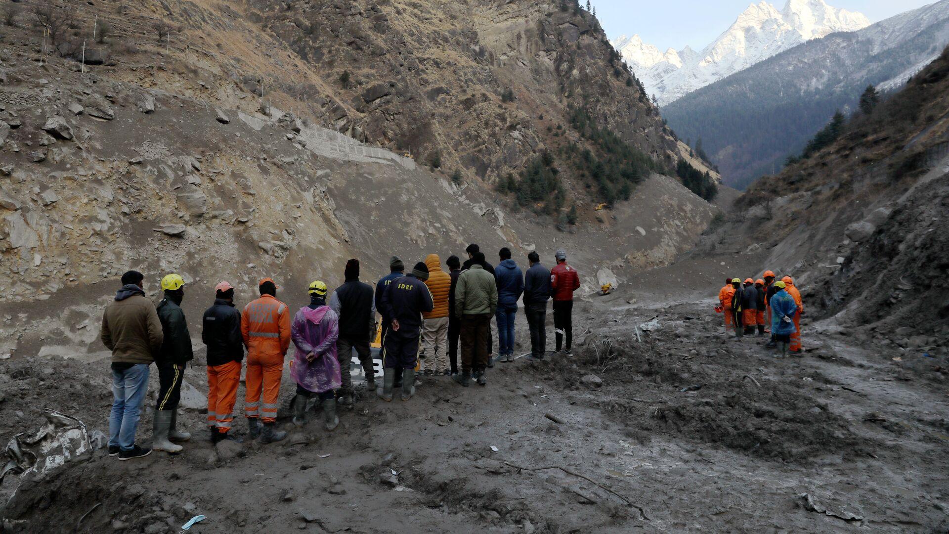 Operaciones de rescate tras el desprendimiento de un glaciar del Himalaya - Sputnik Mundo, 1920, 14.02.2021