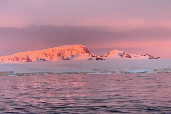 Paisaje de la Antártida, uno de los focos de la investigación de Michel André - Sputnik Mundo