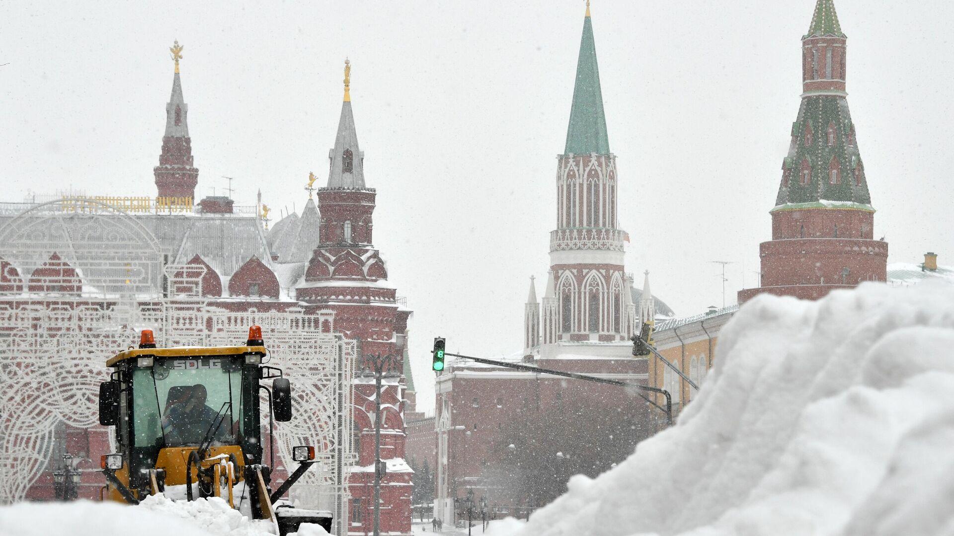 Una fuerte nevada en Moscú, Rusia - Sputnik Mundo, 1920, 13.02.2021