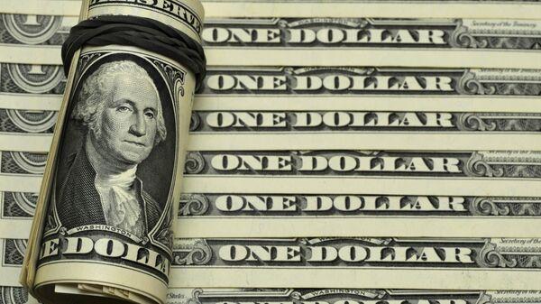 Los billetes de dólares de EEUU - Sputnik Mundo