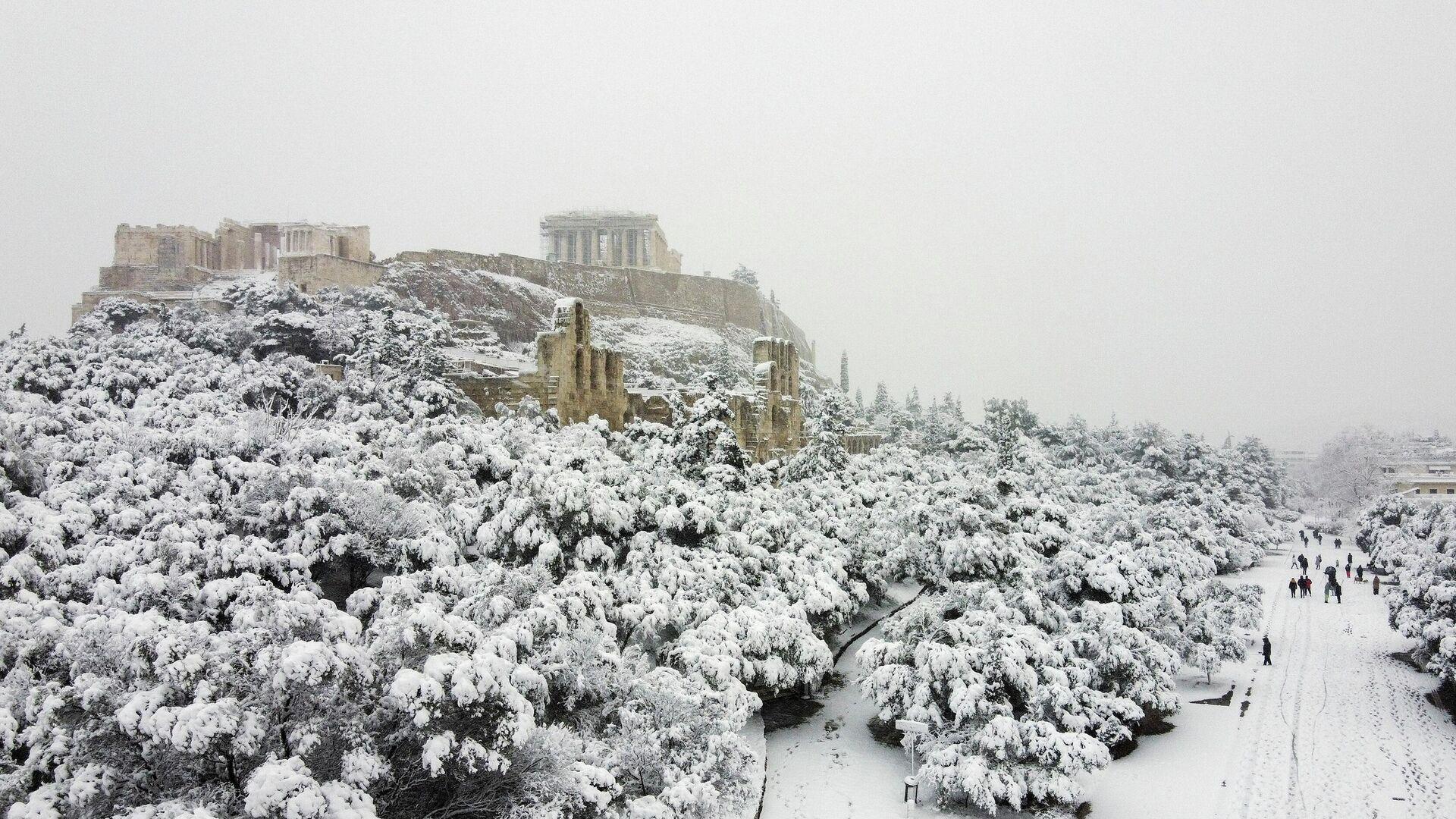 Una fuerte nevada en Atenas, Grecia - Sputnik Mundo, 1920, 16.02.2021