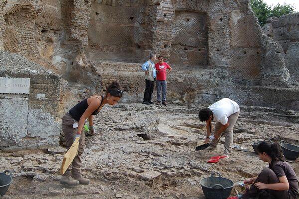Proceso de excavación en el 'Stibadium' de Palazzo - Sputnik Mundo
