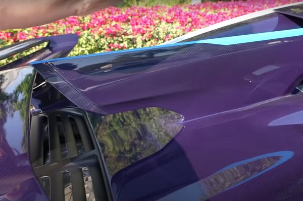 La aleta dorsal del Bugatti Divo - Sputnik Mundo