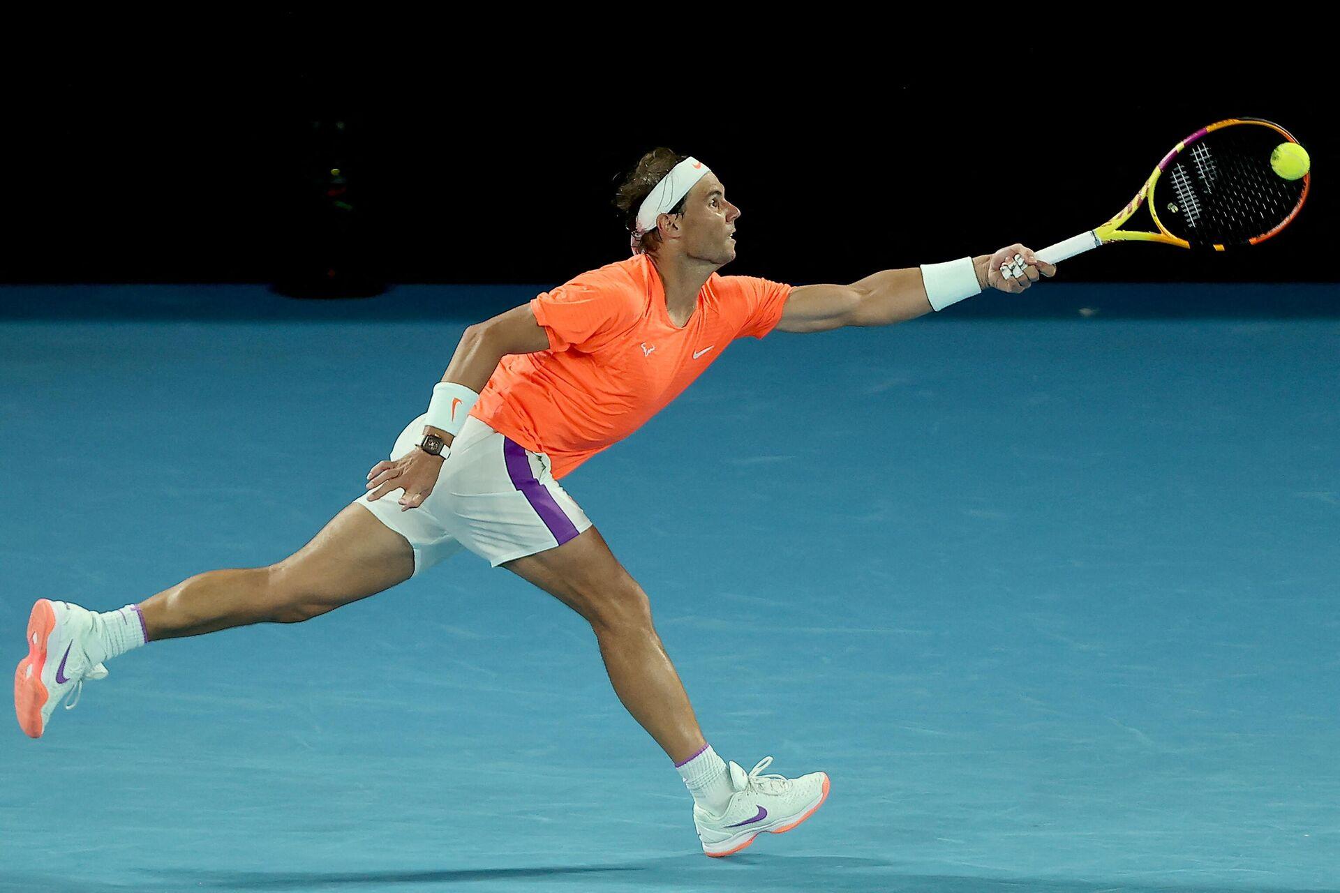Rafa Nadal durante el partido de cuartos del Open de Australia 2021 ante Tsitsipas - Sputnik Mundo, 1920, 17.02.2021