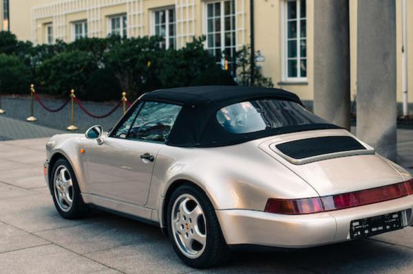 El Porsche 911 Type 964 Carrera 2 Convertible - Sputnik Mundo