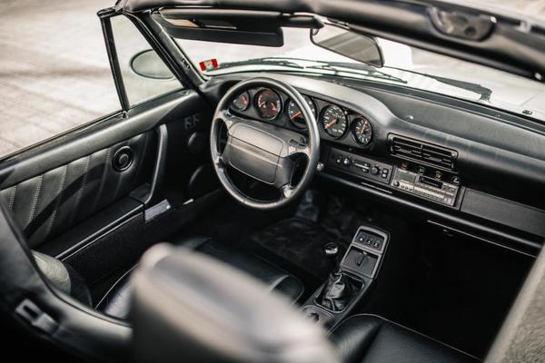 El interior del Porsche 911 Type 964 Carrera 2 Convertible - Sputnik Mundo