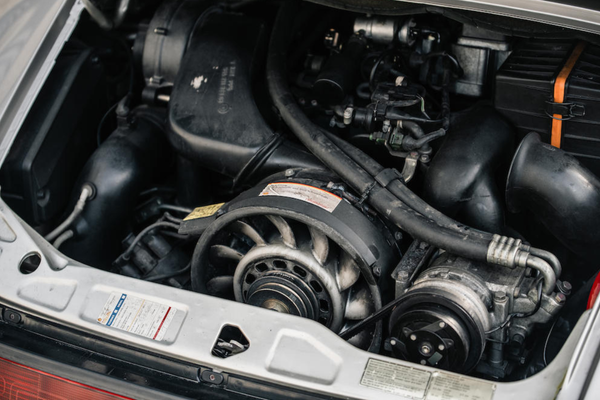 El motor del Porsche 911 Type 964 Carrera 2 Convertible - Sputnik Mundo