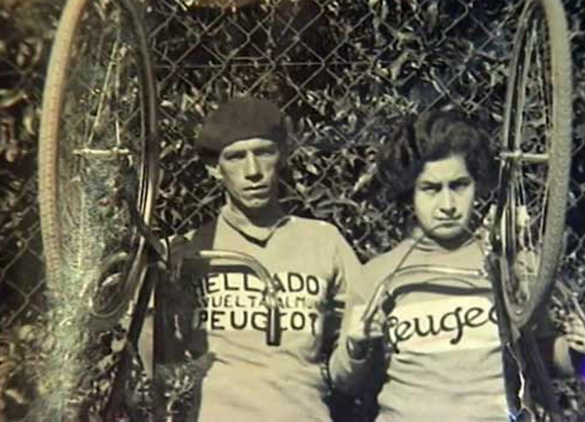 Isidoro Mellado y Teresa con sus bicicletas - Sputnik Mundo, 1920, 18.02.2021