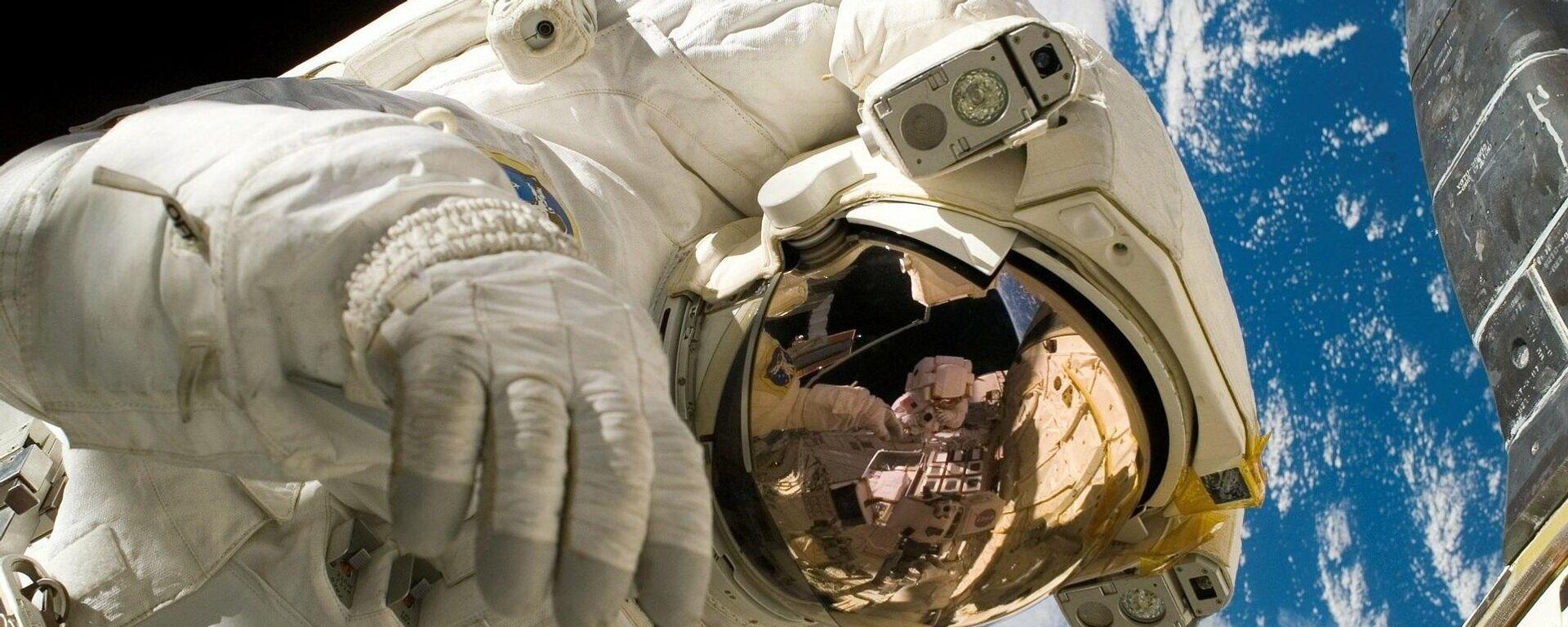 Un astronauta, imagen referencial - Sputnik Mundo, 1920, 05.03.2021