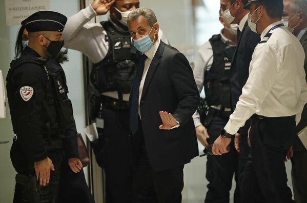El Tribunal de París reconoció el 1 de marzo al expresidente francés Nicolás Sarkozy culpable de corrupción y tráfico de influencias y le condenó a tres años de prisión, dos de ellos en libertad condicional. - Sputnik Mundo