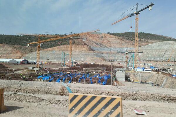 Construcción de la central nuclear de Akkuyu en Turquía - Sputnik Mundo