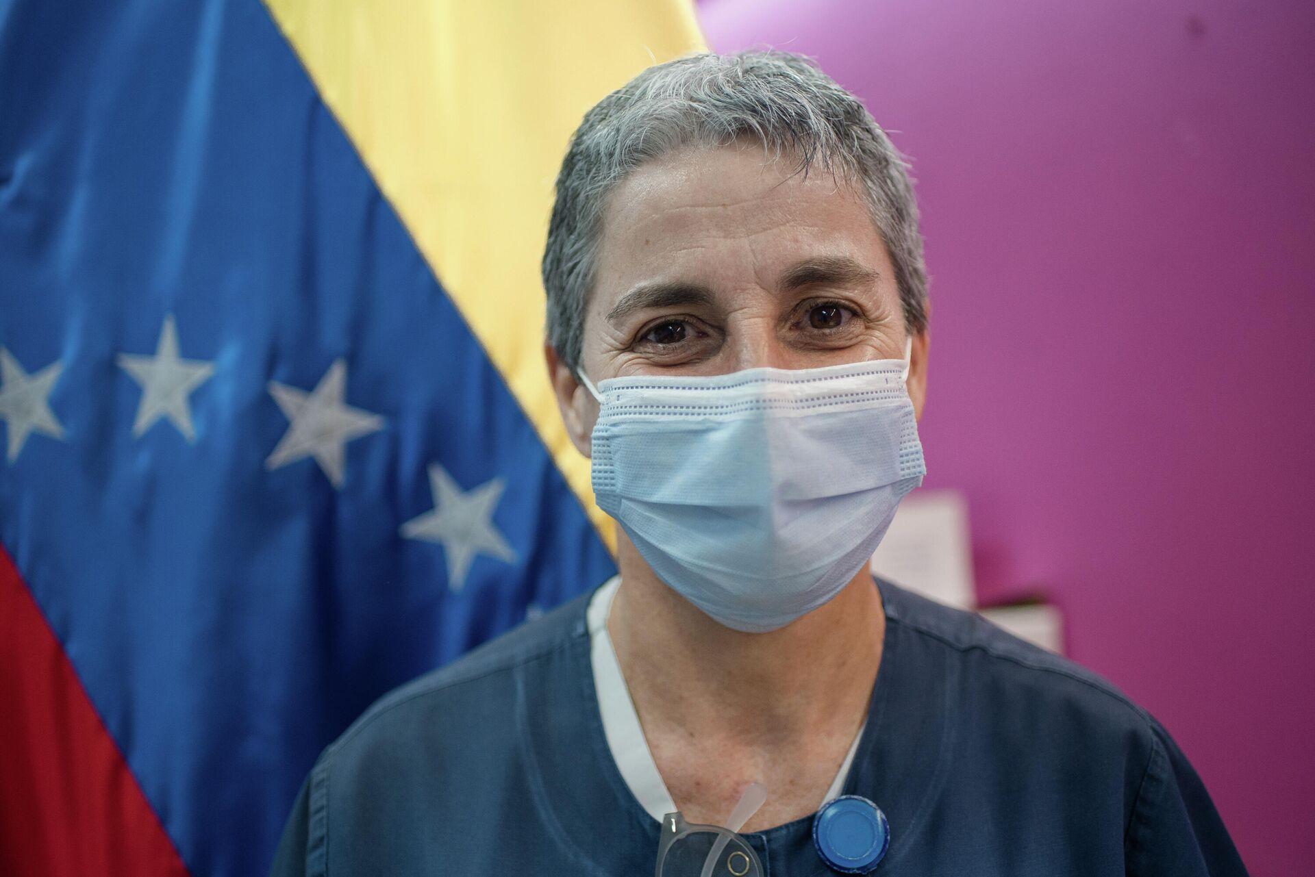 Coralis Domínguez, enfermera con más de 30 años de experiencia y encargada del área COVID-19, del hospital Domingo Luciani - Sputnik Mundo, 1920, 10.03.2021