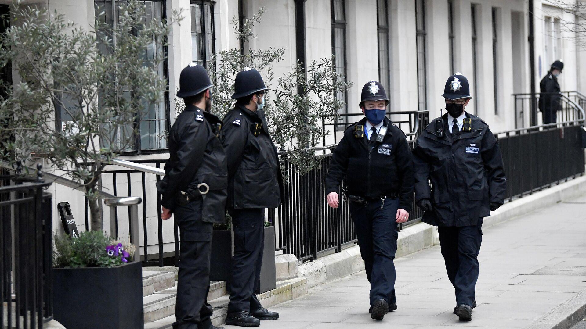 Unos agentes de la policía de Londres (imagen referencial) - Sputnik Mundo, 1920, 11.03.2021