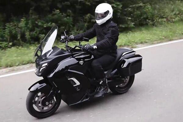 El prototipo de la motocicleta eléctrica Aurus - Sputnik Mundo