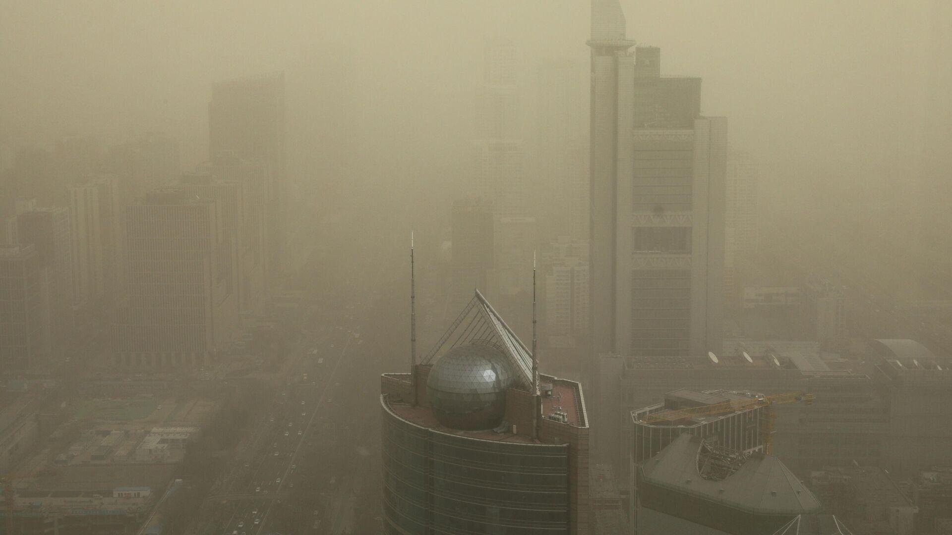 Una tormenta de arena en Pekín, China - Sputnik Mundo, 1920, 15.03.2021