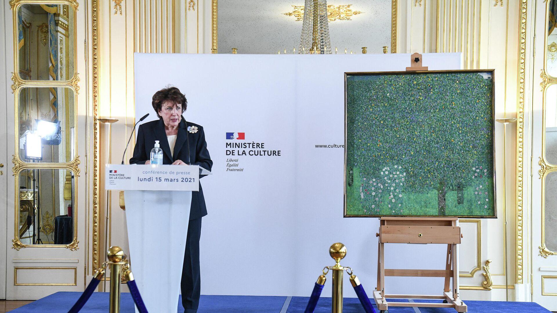 Roselyne Bachelot, ministra de Cultura francesa, anunciando la devolución del cuadro Gustav Klimt  - Sputnik Mundo, 1920, 16.03.2021