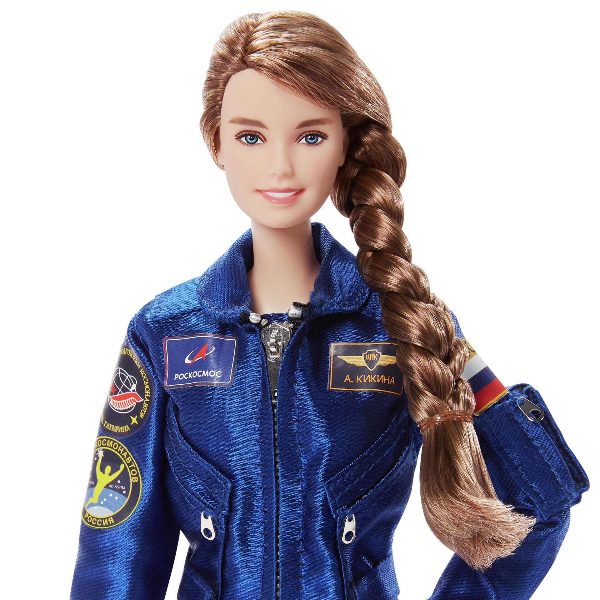 La muñeca Barbie cosmonauta con la imagen de la cosmonauta rusa Ana Kíkina - Sputnik Mundo, 1920, 16.03.2021