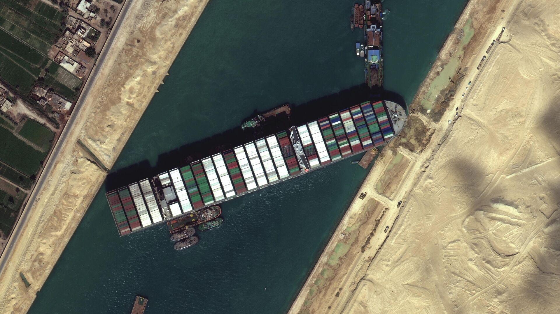 El portacontenedores Ever Given atascado en el Canal de Suez - Sputnik Mundo, 1920, 27.03.2021