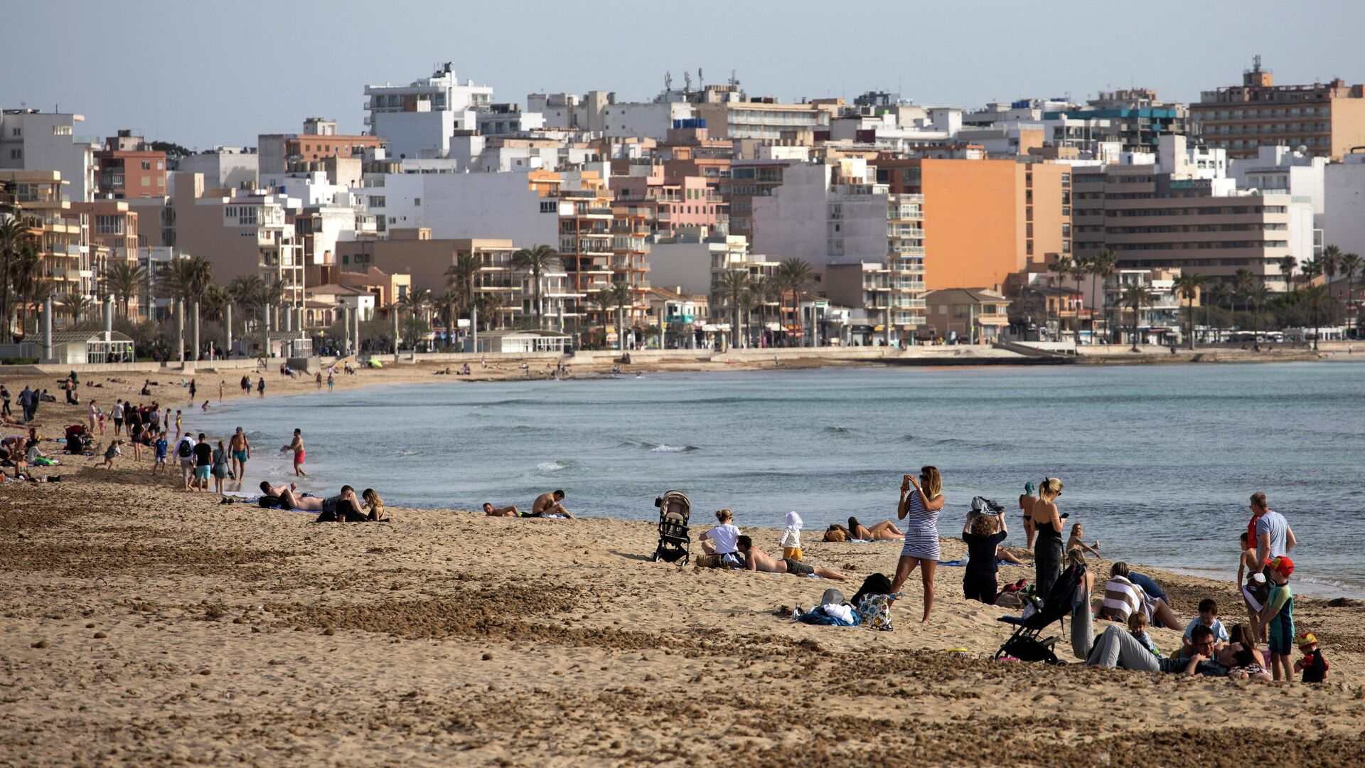Turistas en Mallorca en marzo de 2021 - Sputnik Mundo, 1920, 30.03.2021