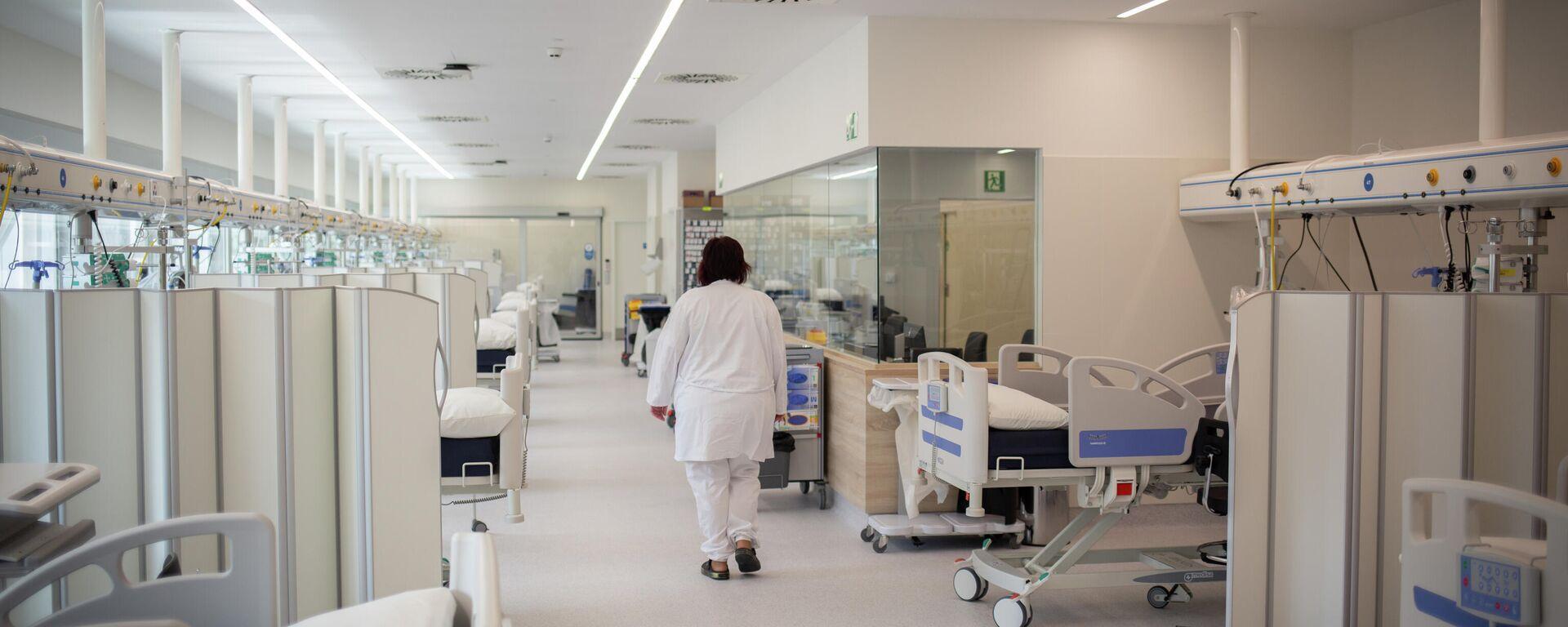 Hospital en España durante brote de coronavirus - Sputnik Mundo, 1920, 07.09.2021