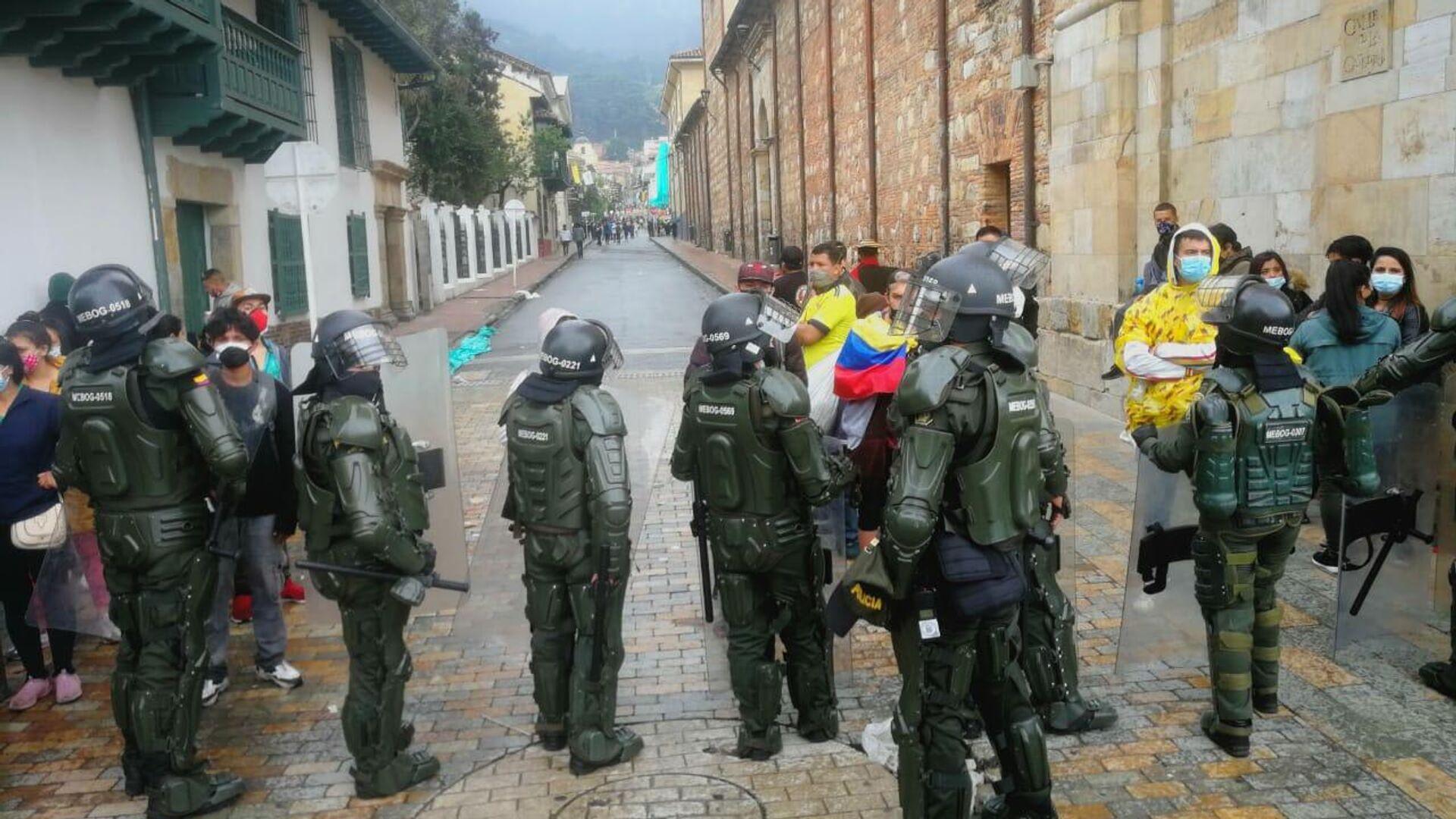 La Policía colombiana se desplegó en la jornada de protestas - Sputnik Mundo, 1920, 01.10.2021
