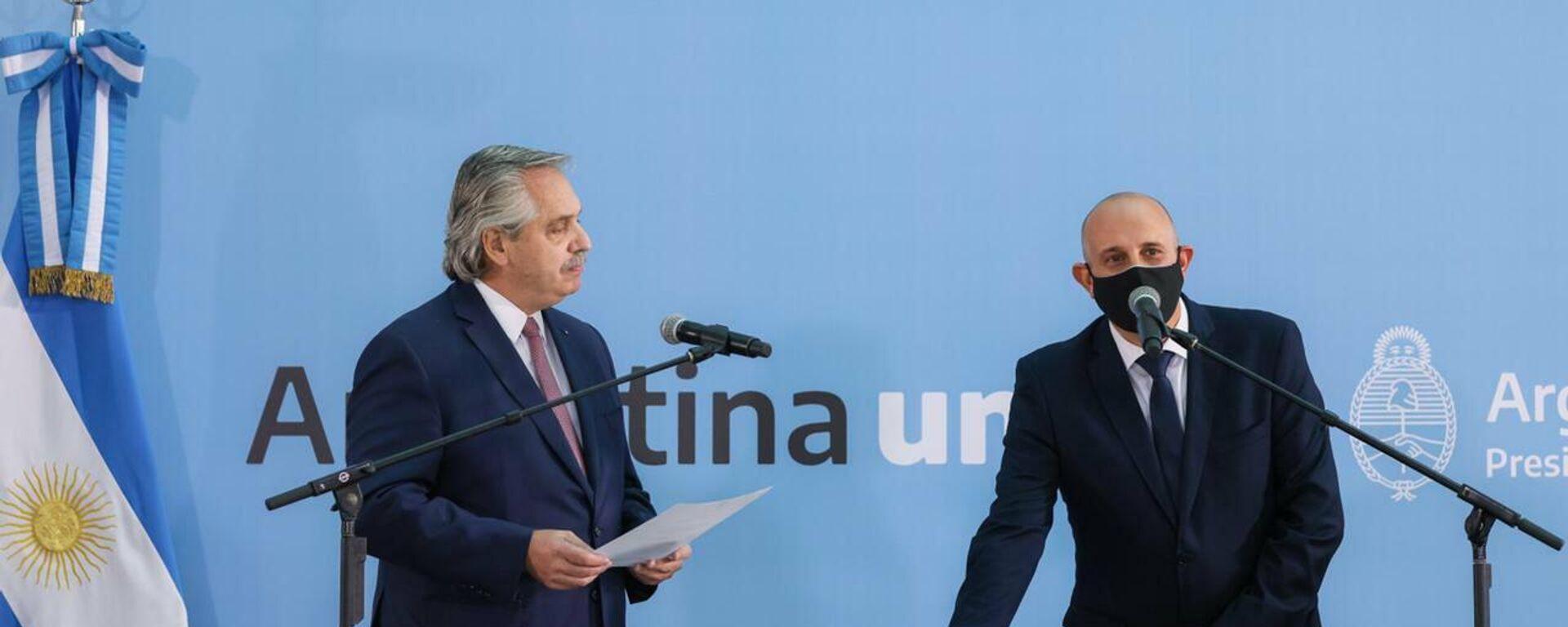 El presidente de Argentina, Alberto Fernández, tomó juramento como nuevo ministro de Transporte a Alexis Guerrera - Sputnik Mundo, 1920, 03.05.2021