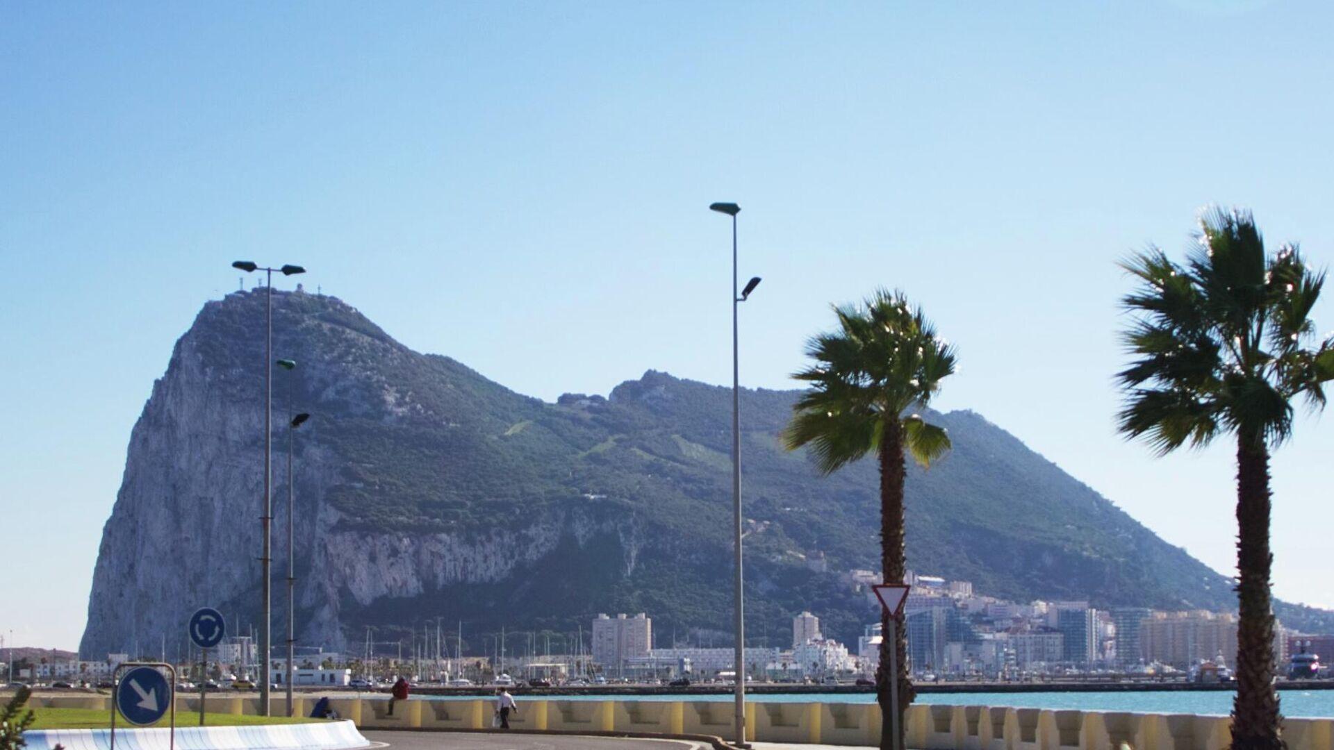 Vista del peñón de Gibraltar desde La Línea de la Concepción - Sputnik Mundo, 1920, 27.09.2021