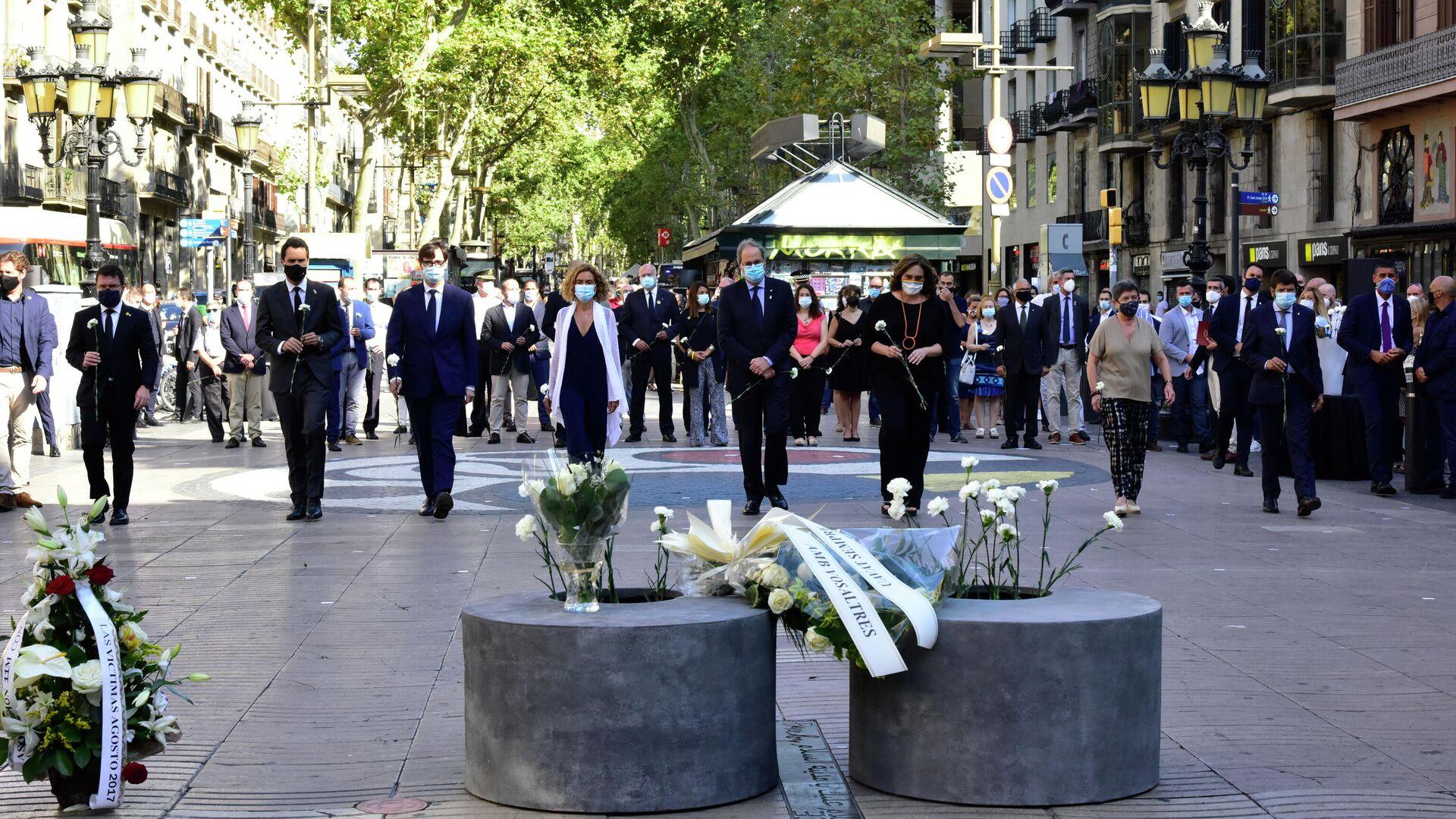 Homenaje a las víctimas de los atentados de Cataluña - Sputnik Mundo, 1920, 21.09.2021