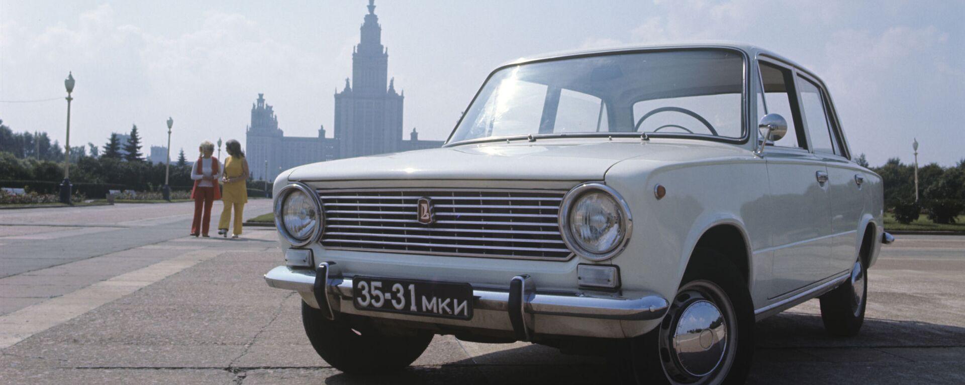 Советский легковой автомобиль ВАЗ 2101 - Sputnik Mundo, 1920, 20.07.2021
