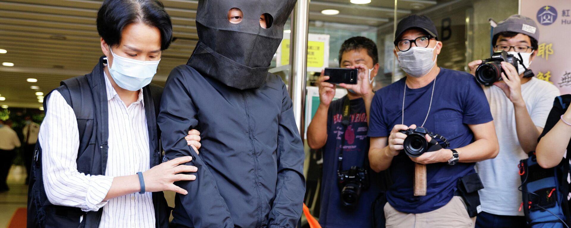 El arresto de uno de los cinco sospechosos de incitar el odio hacia el gobierno entre niños en Hong Kong - Sputnik Mundo, 1920, 22.07.2021