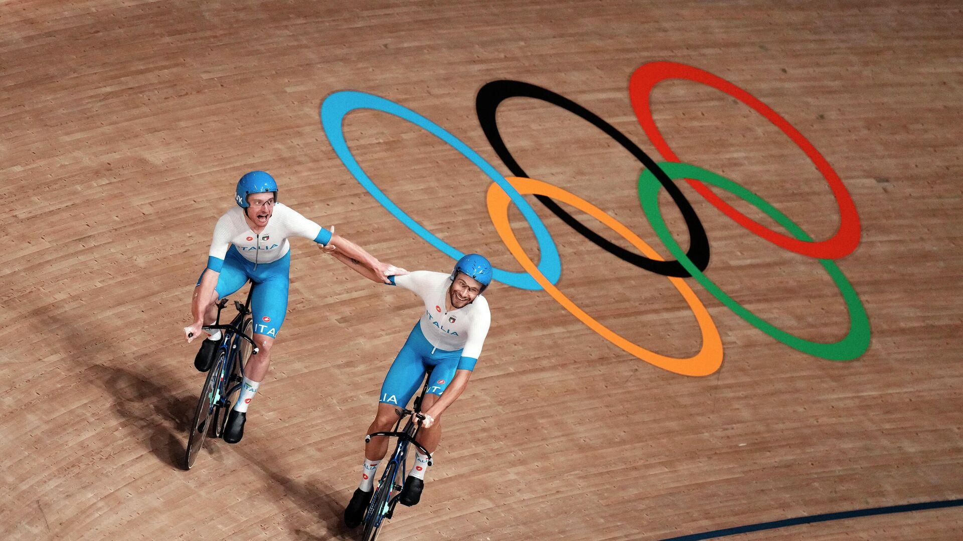 Ciclistas italianos Simone Consonni y Filippo Ganna en los JJOO en Tokio - Sputnik Mundo, 1920, 04.08.2021