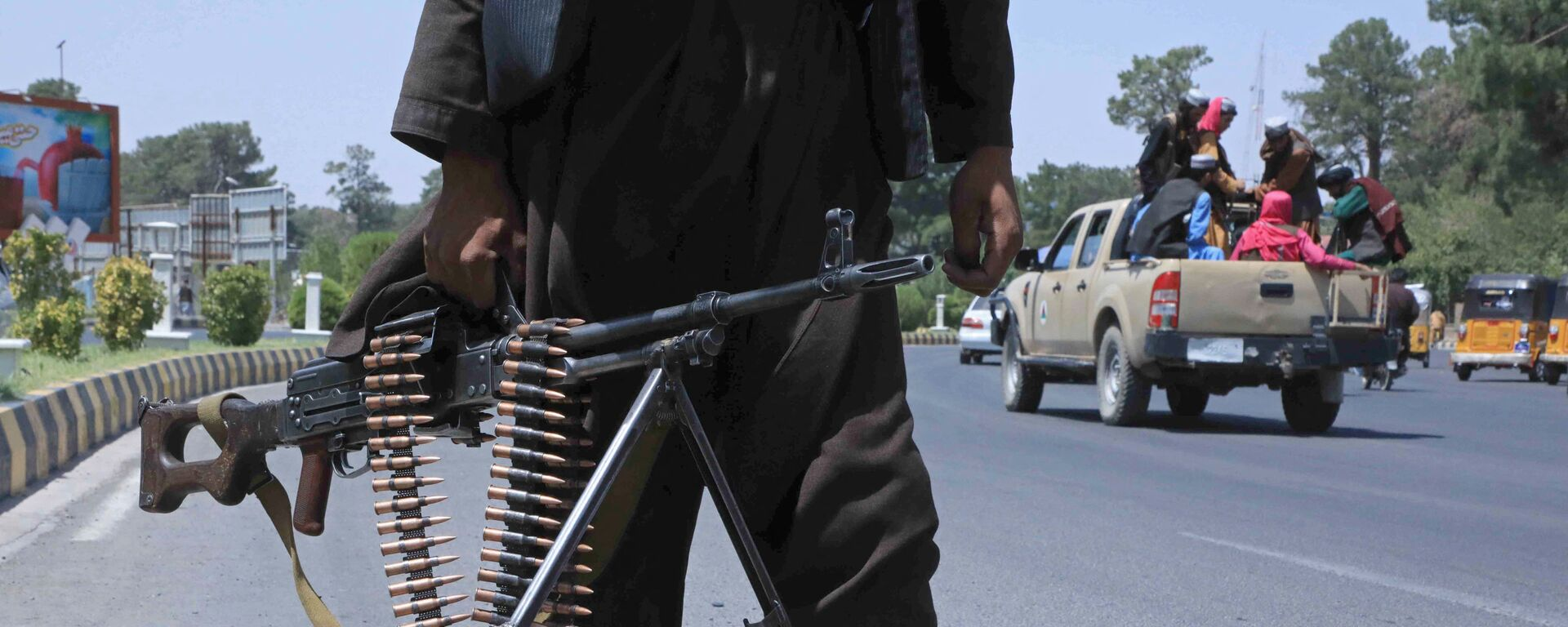 Боевик Талибана* на улице в афганском городе Герат - Sputnik Mundo, 1920, 16.08.2021