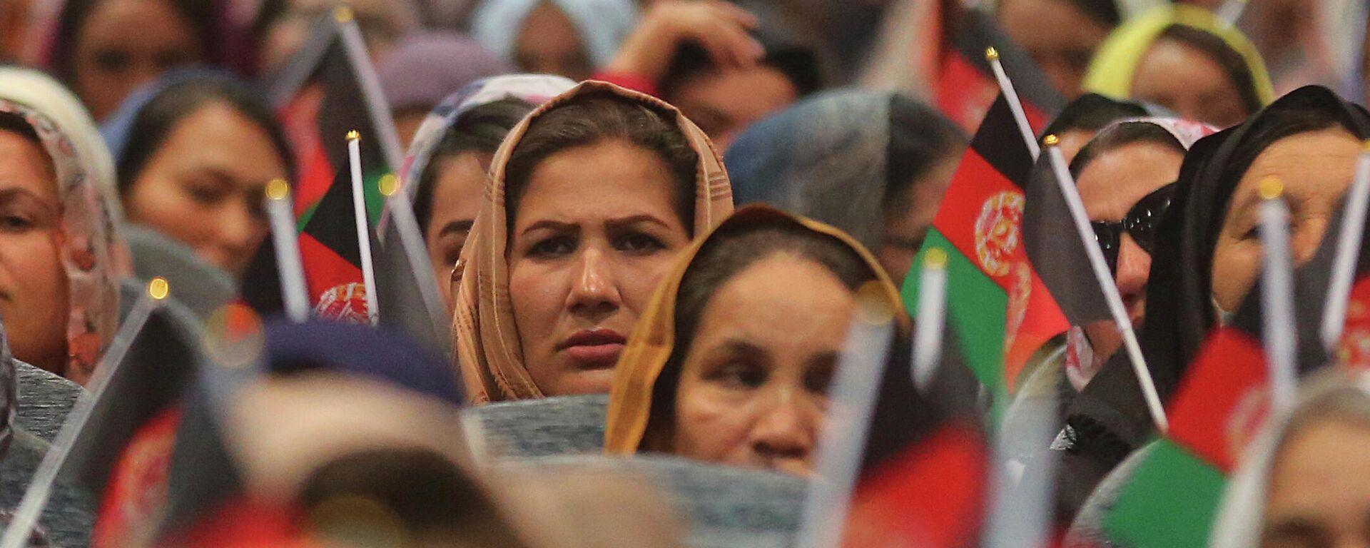 Mujeres afganas asisten a una campaña electoral en Kabul - Sputnik Mundo, 1920, 19.08.2021