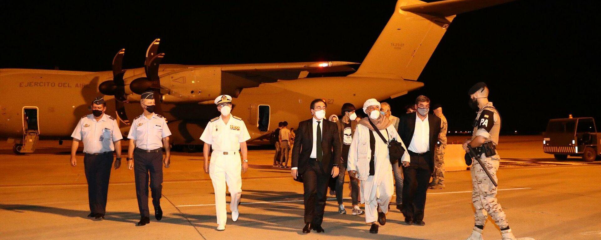 Primer grupo de repatriados españoles llega desde Afganistán la base aérea de Torrejón, el 19 de agosto del 2021 - Sputnik Mundo, 1920, 19.08.2021