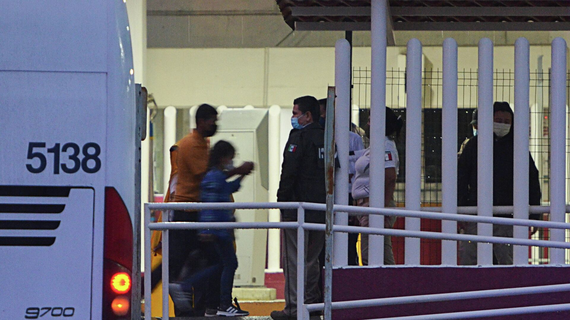 Los migrantes deportados por EEUU en México - Sputnik Mundo, 1920, 06.09.2021