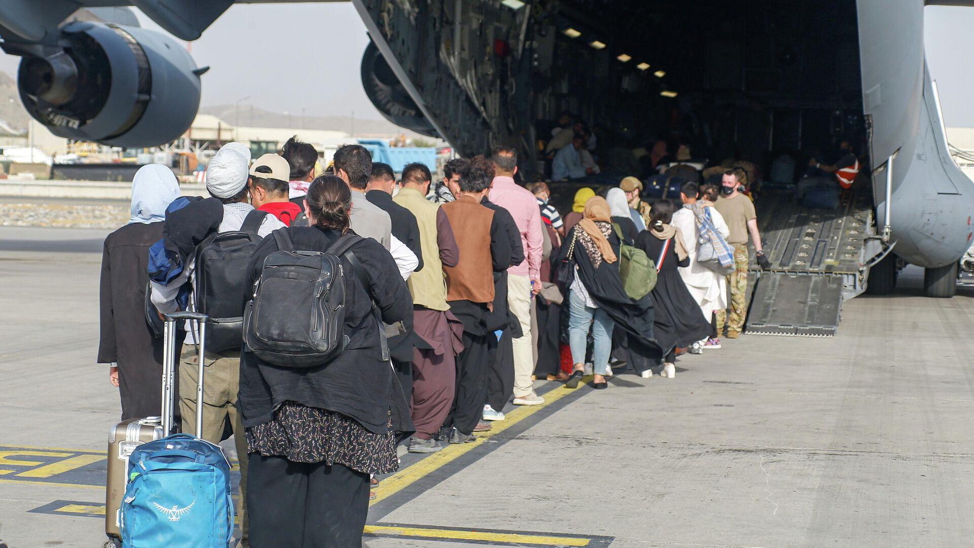 Evacuación en el aeropuerto de Kabul - Sputnik Mundo, 1920, 23.08.2021